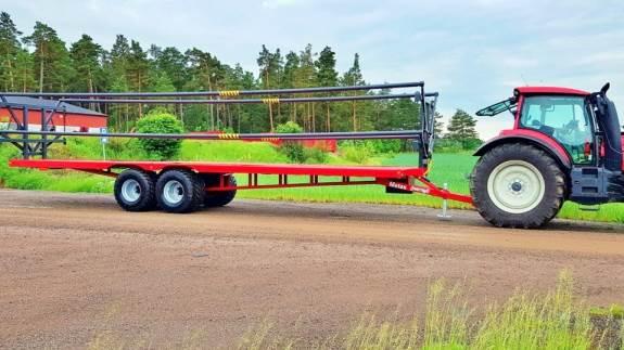Metsjö lancerer en tolv meter udgave af MetaX ballevogn med eller uden hydraulisk lastsikring.