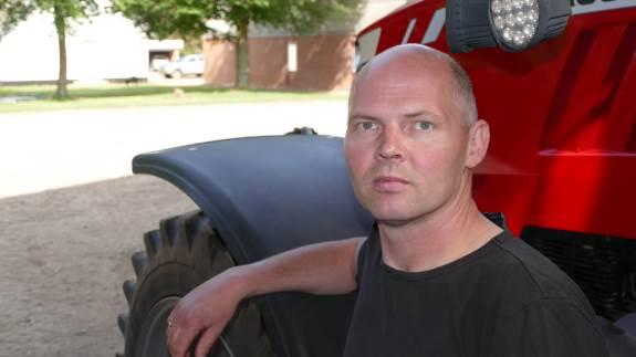 Hos Trøllundgaard Aps nær Hegnsvig er driftsleder Christian Juhl Pedersen begejstret for sin nye Kuhn Espro 6000 RC mix.