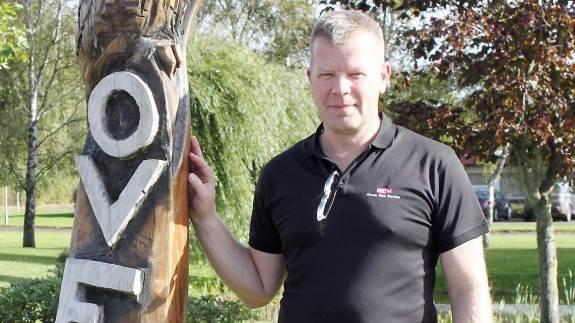 Landmænd og andre kunder køber i stigende grad dæk i udlandet og slipper dermed for det danske miljøgebyr.