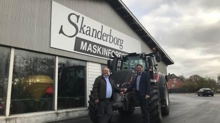 Med overtagelse pr. 1. november har TBS Maskinpower købt aktiviteterne i Skanderborg Maskinforretning. Formålet er at udvide distriktet og aktiviteterne indenfor salg og service af Valtra-traktorer - i Valtec-delen af den store maskinforretning, der også er en af Danmarks store Fendt-forhandlere.
