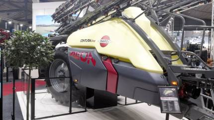 Tusindvis af danske landmænd har været i Tyskland for at hente inspiration på maskinfronten – blandt andet fremtidens sprøjte fra Hardi.