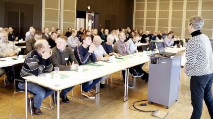 Omkring 100 økologer var med til økologisk inspirationsdag i VKST med indlæg fra blandt andre Per Vesterbæk fra Landbrug & Fødevarer.