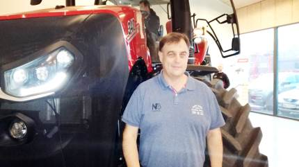 Maskinforretningen Lind & Kruse A/S i Bredsten nær Vejle var første stop, da Case IH forleden havde Danmarkspremiere på den nye Case IH Magnum AFS Connect traktor-serie.
