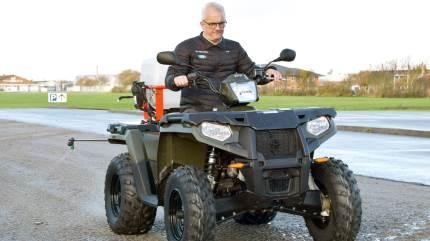 De små køretøjer kan ofte med fordel bruges i driften i stedet for traktoren.