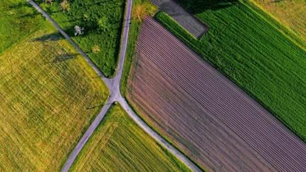 Landmænd i Lemvig og Østvendsyssel er sammen med landinspektørfirmaet LE34 klar til jordfordelingsprojekter. Projekterne har fået tilsagn om tilskud på fem millioner kroner.