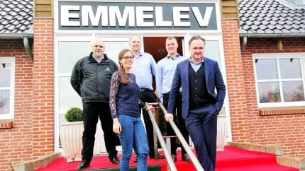 Den store produktion af biodiesel baseret på rapsolie, der finder sted hos Emmelev i Otterup, kan hjælpe den tunge transport med at klare klimaudfordringen. Det vækker nu politisk interesse.