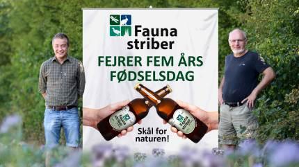 Faunastriberne fylder fem år. Det fejres med en Faunastribe-øl, til de landmænd der får sået Faunastriber i 2020.