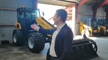 En ændret tilgang til det at drive maskinforretning har givet pote hos Stenderup Maskiner, der har specialiseret sig i minilæssere og foderblandere.