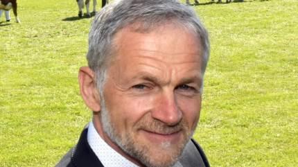 Det Sønderjyske Fællesdyrskue vender stærkt tilbage i 2021, lover dyrskueformand Jørgen Popp Petersen, der er glad for initiativet omkring dyrskue i avisen og virtuelt hér i et corona-ramt 2020