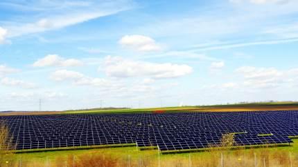 Solceller er en ny »afgrøde«, som kan give landmanden et solidt dækningsbidrag.