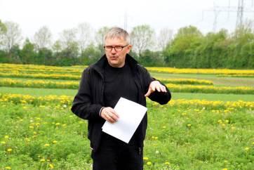 Aarhus Universitet finder ingen særlige forskelle på miljø- og klimapåvirkningen mellem økologisk og konventionel planteproduktion.
