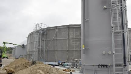 Opførelsen af et moderne biogasanlæg i Flemløse i Assens Kommune nærmer sig sin fuldførelse. Inden længe vil Flemløse Biogas kunne levere miljøvenlig gas til naturgasnettet.