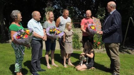 Den 21. juni 2000 startede familien Van Kempen med at malke med DeLaval VMS malkerobotter. Tyve år, 1,9 millioner malkninger og omkring 20 millioner liter mælk senere fungerer begge malkerobotter på gården i Biddinghuizen i Holland stadig.