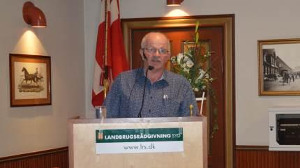 Midt i en corona-tid lykkedes det Sønderjysk Familielandbrug, at få afholdt sin årlige generalforsamling. Hér så formand Antoni Stenger i sin beretning tilbage på et begivenhedsrigt år for både foreningen og landbruget generelt.