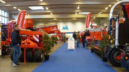 Maskinhandler Indkøbsringen (MI) åbner dørene til deres 1200 kvadratmeter store udstilling for landmænd som trænger til at sparke dæk fra nu og frem mod jul – blandt andet på det brede program inden for Kuhn, der som bekendt omfatter fuldfoderblandere til kvæg.