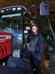 Efter en artikel i LandbrugØst fik Casper Roel Hansen kontakt til Sundhedsshoppen, der har hjulpet den unge landmand af med smerter efter en arbejdsulykke.
