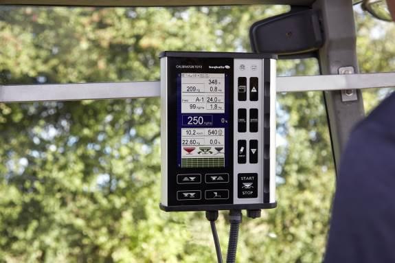 Calibrator Totz giver med nye reguleringsmetoder hurtigere reaktion og øger præcisionen helt ud i markhjørnerne.