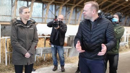 Statsministeren kunne ikke komme uden om at svare på spørgsmål om den aktuelle minksituation, men for dagens vært, mælkeproducent Niels Hedermann Pedersen, var fokus på at se frem mod landbrugets samarbejde med regeringen efter corona- og minkkrise.