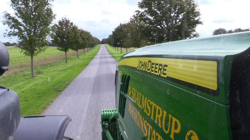 Som noget nyt i år gælder brændstofgarantien fra John Deere også for kørslen i selve marken under markarbejdet og ikke kun landevejskørslen.