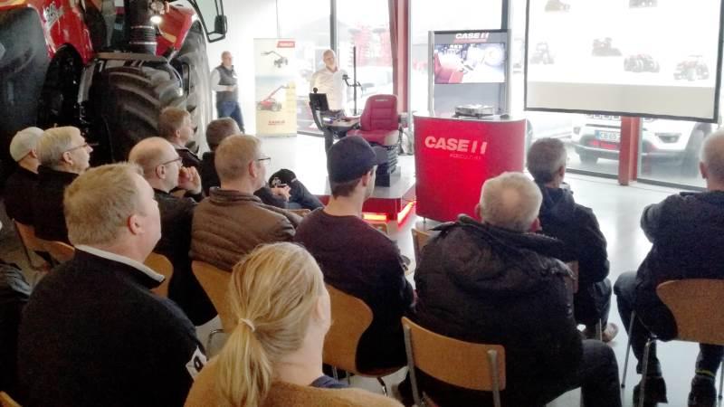 Et indbudt publikum af kunder hos maskinforretningen Lind & Kruse A/S, Bredsten, fik onsdag eftermiddag præsenteret den nye Case IH Magnum AFS Connect-serie, hvor et udlånt eksemplar var udstillet. Fotos: John Ankersen
