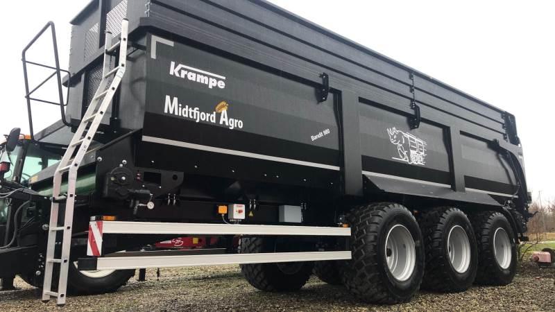 Krampe Bandit 980 er producentens største båndaflæsser med plads til 55 kubikmeter.