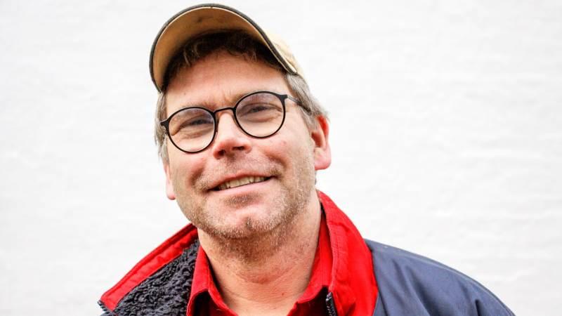 - Jeg får formentlig ikke lavere dødelighed ved at få de nye stier. Men jeg håber på, at jeg er i stand til på den lange bane at få søerne til at passe nogle flere grise ad gangen, ved at de får mere plads, siger Niels Aagaard Jørgensen.