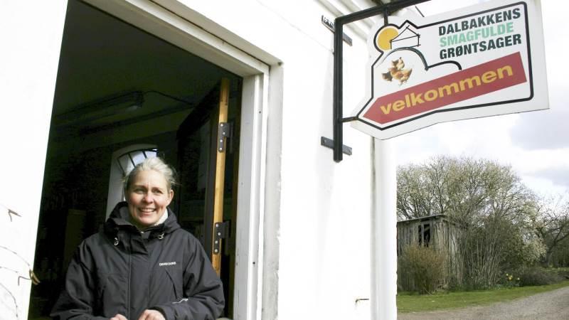 I Dalbakkegaard gårdbutik sælger Dorthe og Bryan både gårdens egne produkter og produkter fra andre lokale samarbejdspartnere.