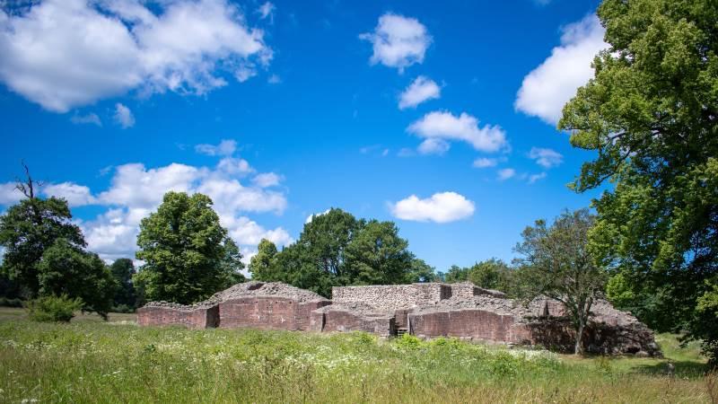 Ruinerne efter kong Valdemar Atterdags elskede Gurre Slot er nu – igen – med i Nationalpark Kongernes Nordsjælland.