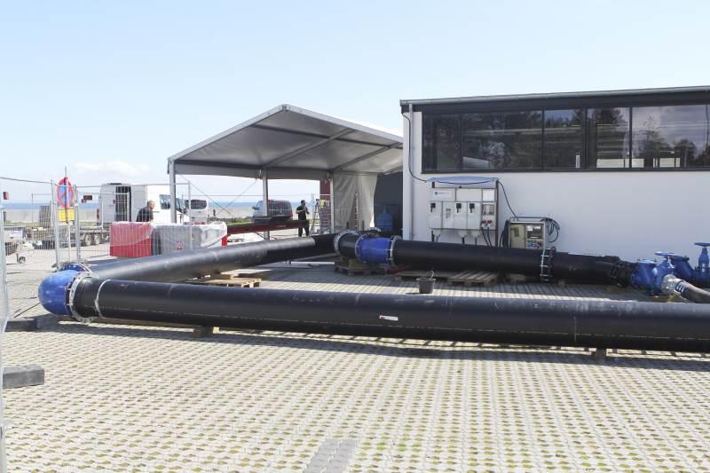 I hjørnet af Skovshoved Havn blev der i flere dage gjort klar til den store udledning af forurenende spildevand.