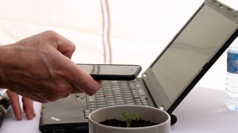 Mange landmænd anvender et digitalt værktøj som FarmTracking eller MarkMobile til at registrere sprøjteopgaver. Foto: Jørgen P. Jensen