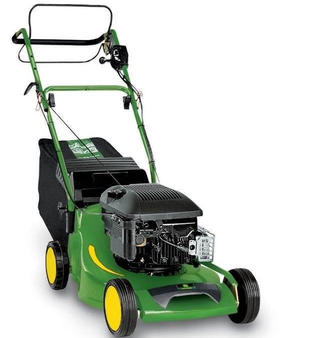 John Deere sæler SABO, der producerer Walk-behind plæneklippere og andre maskiner til udendørs brug, som de tilbyder private, kommuner og firmaer, der beskæftiger sig med vedligeholdelse af have og anlæg.