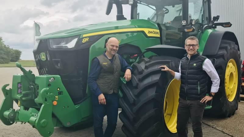 I fællesskab med Rasmus Thing (th), der er salgschef i Semler Agros Used Equipment Center, sammen med Jens Illemann udgøre det nye udlejningsteam i Semler Agro.
