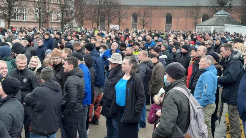 Stort fremmøde og opbakning ved lørdagens demonstration i Aarhus, hvor talerne og deltagerne samledes på Officerspladsen ved Ridehuset og Musikhuset i Aarhus. Foto: John Ankersen