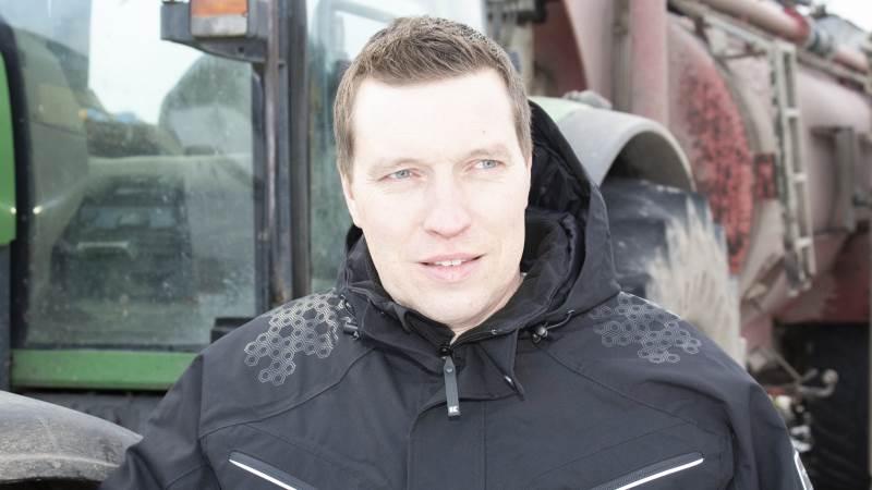 Nu, hvor Søren Søndergaard er blevet formand for Landbrug & Fødevarer, har han ikke længere tid til at være i daglig dialog med sine nøglemedarbejdere hjemme på bedriften. I stedet har hans hustru Ingebeth og hans 67-årige far taget mere over. Foto: Morten Ipsen