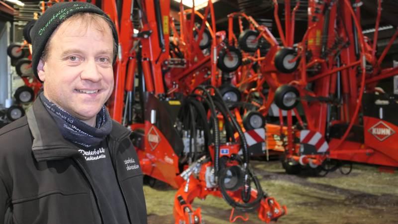 For John Andersen, Vesterbølle Maskinstation nær Aalestrup, var der ingen tvivl, da han skulle bruge endnu en fire-rotors rive til 2020-sæsonen. Det blev den fuldhydrauliske KUHN GA 13131, som han nu har to af.
