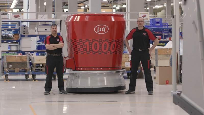Lely Vector nummer 1.000 er netop produceret og nu på vej til Italien.