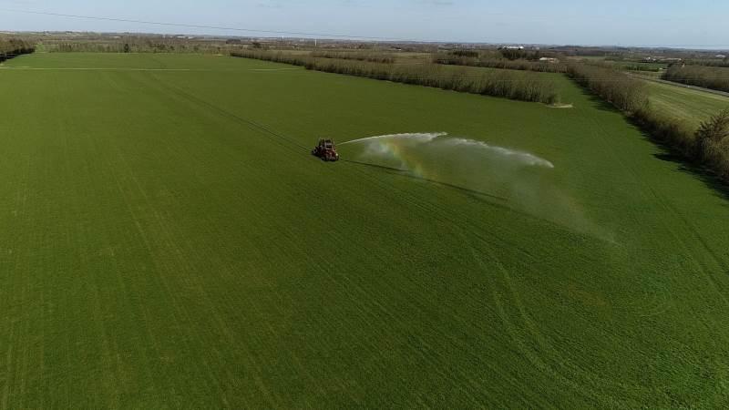 Det gælder om at få vandingsmaskinen kigget efter og gjort klar – der kan inden længe blive bud efter den, lyder opfordringen fra Landbrugsrådgivning Syd.