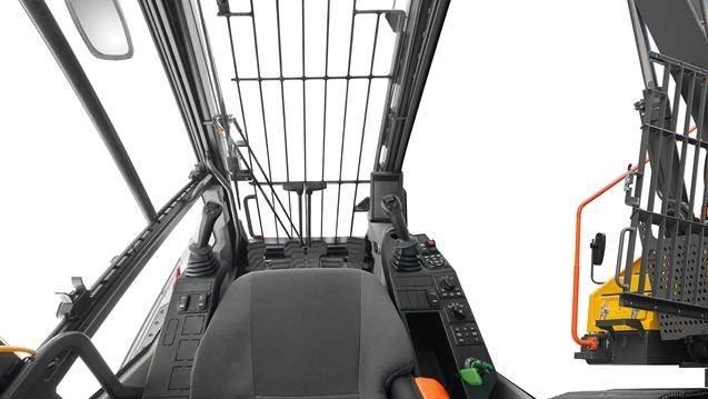 Straight Boom omdanner den 38-tons Volvo EC380E til et formidabelt nedrivningsredskab. Foto: Volvo Entreprenørmaskiner A/S