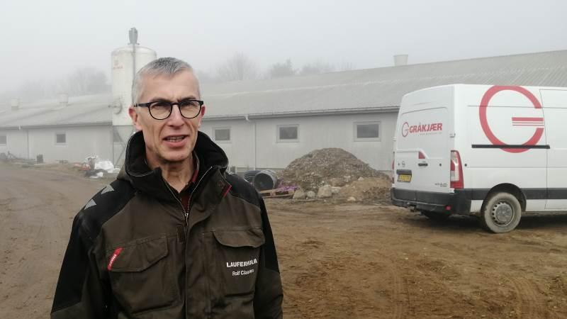 Svineproducent Rolf Clausen fra Fulby på Sjælland glæder sig til i uge 22 at kunne få samlet hele sin svineproduktion samme sted, når det nye staldbyggeri står klar senere i 2021. Foto: Henning K. Andersen