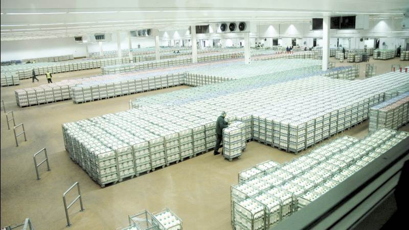 Investorernes køb af grønne obligationer udstedt af Arla gav et udbytte på 1,1 milliarder kroner, som vil gå til grønne investeringer i andelsselskabet. Foto: Arla Foods UK