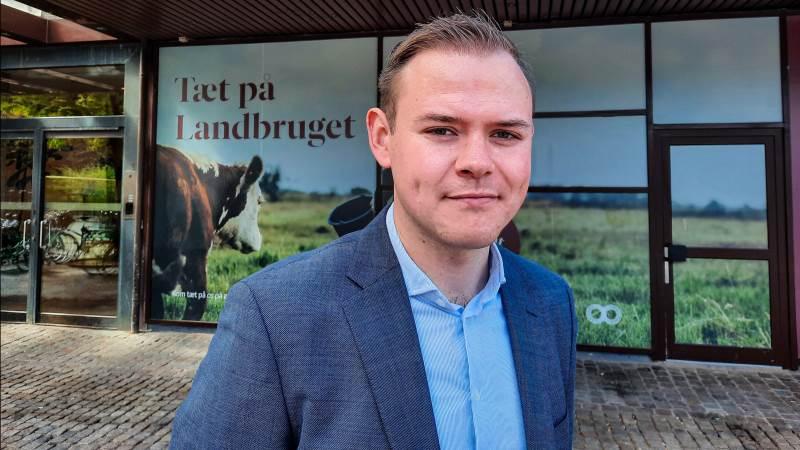 28-årige seniorkonsulent i Landbrug & Fødevarers public affairs, Chris Borup Preuss, har igennem snart tre år kæmpet for at få de bedste vilkår for danske landmænd og fødevareproducenter. Fotos: Victor Juul Grønbæk