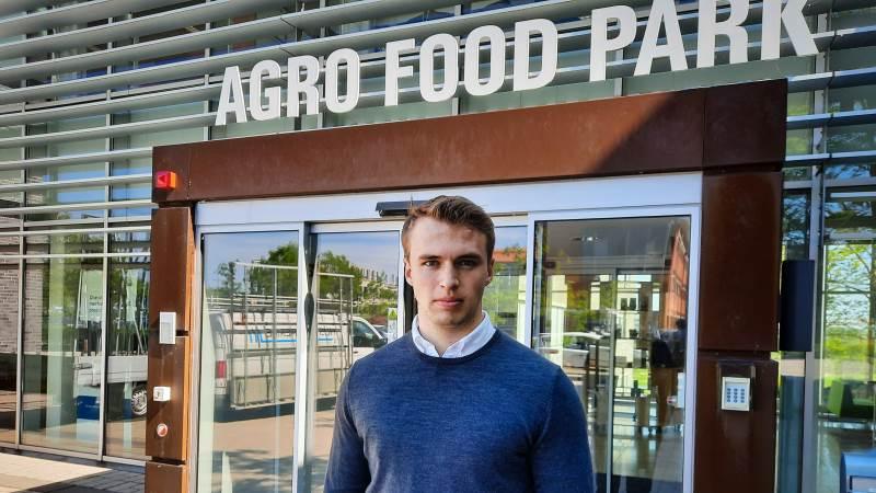 Den unge formand for LandboUngdom, Niels Skovgaard, er med sine 21-år den yngste formand i nyere tid. En opgave, han selv føler, han er vokset med. Foto: Victor Juul Grønbæk