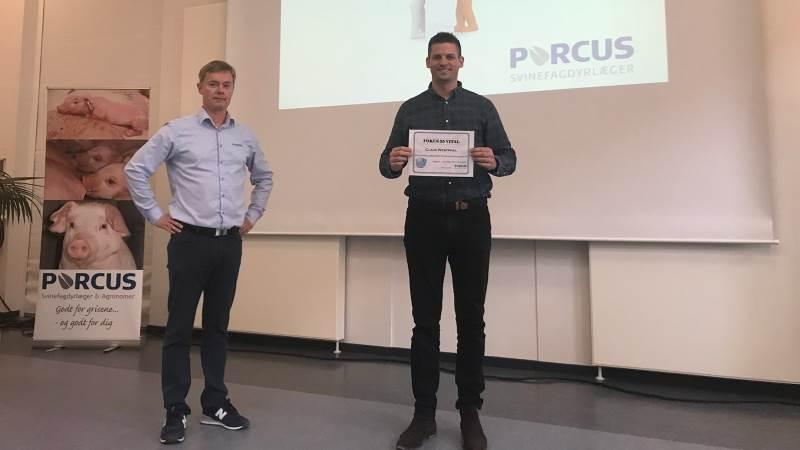 Porcusprisen 2021 og dermed et gavekort på 4.000 kroner til bowling for ejer og ansatte går i år til Claus Westphal fra Allerup på Fyn. Fotos: Porcus