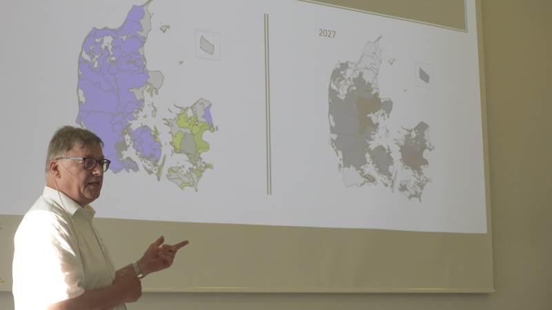 - Jeg synes de nye kvælstofkort er fuldstændig hat og blå briller, sagde Frede Lundgaard Madsen, formand for Landboforeningen Midtjylland, ved foreningens generalforsamling i Viborg torsdag aften.