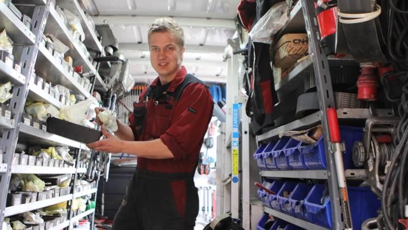 Rasmus Jespersens kørende »værktøjskasse« er ved at være rustet til høst. Fotos: Christian Carus