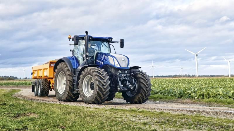 New Holland tog førstepladsen i juni månedens traktorsalg med hele 37 traktorenheder og en markedsandel på næsten 25 procent. På de følgende pladser kommer Case IH med 29, John Deere med 27, Fendt og Massey-Ferguson med hver 14, Claas og Valtra med hver 13 og Kubota, Lindner og McCormick med hver én. John Deere er den foretrukne traktor i 200-hk segmentet, med en markedsandel på 26 procent. Hele 130 traktorer ud af 498 står der John Deere på. Arkivfoto