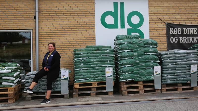 Louise Winther Meldgaard er klar til at tage imod landmændenes korn i Vårst. Foto: DLG