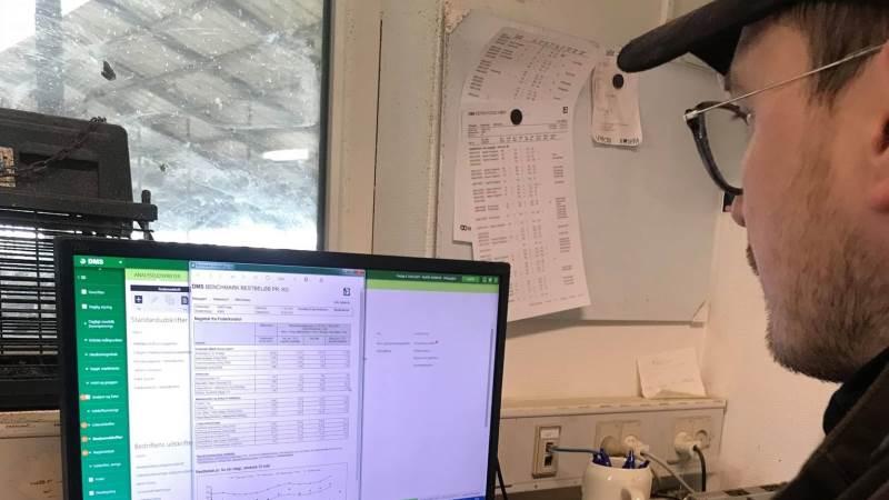 Kodeordet er digitalisering, når mælkeproducent Jesper Arnth Jensen fra Outrup ved Varde kun udleder 0,93 kg CO2 pr. liter mælk. Gennemsnittet for Arlas landmænd er 1,15 kg CO2.