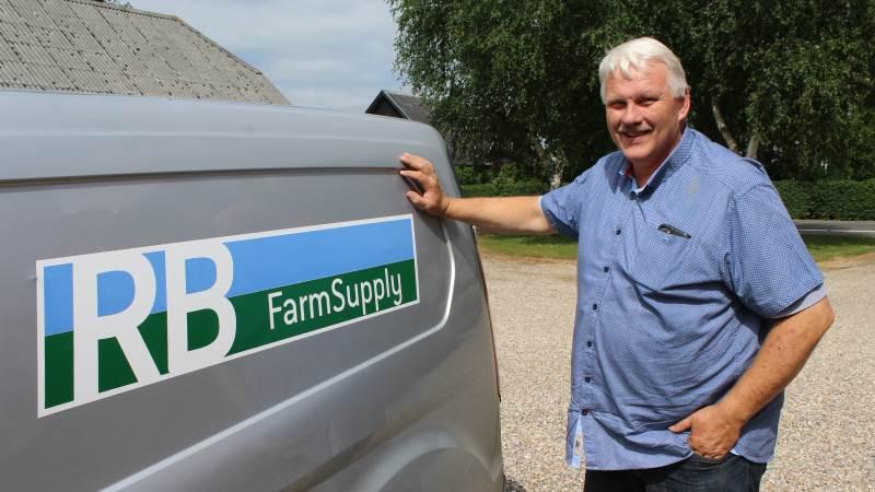 Ron Bon er foruden fåreavler og lokalformand for Sydvestjyske Fåreavlere – også indehaver af virksomheden RB FarmSupply, der også har en stand på Ribe Dyrskue. Foto: John Ankersen