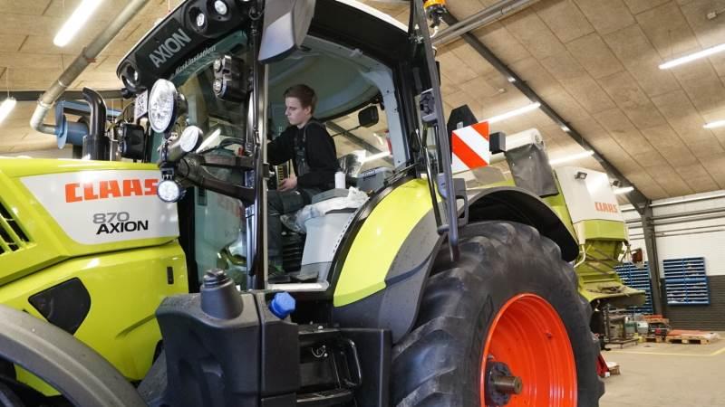 Stadil Maskinforretnings sortiment består blandt andet af fodermaskiner, foderblandere, udmugningssystemer og gyllepumper. Foto: Arkivfoto.